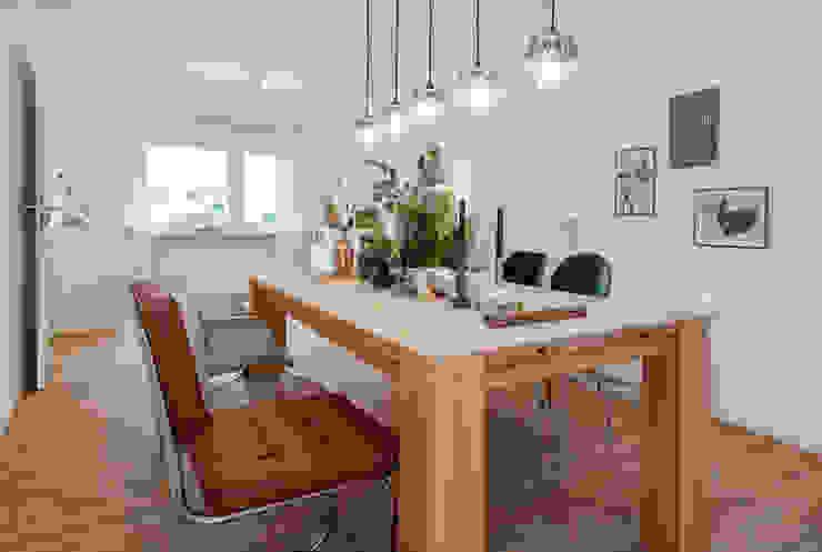 Cornelia Augustin Home Staging Ruang Makan Gaya Skandinavia