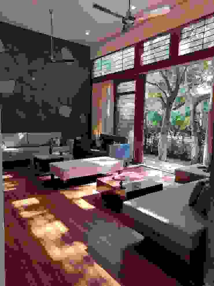 studio XS Living room