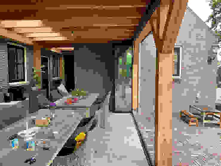 Sunflex SF 35 Schiebe-Dreh-System für bestehende Terrassenüberdachung Schmidinger Wintergärten, Fenster & Verglasungen Rustikaler Wintergarten Aluminium/Zink Grau