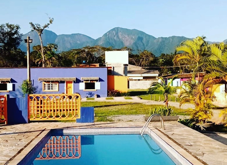 Piscina Lucia Helena Bellini arquitetura e interiores Hotéis tropicais Azulejo Multi colorido