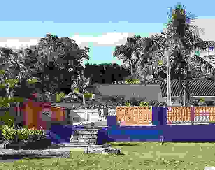 Piscina Lucia Helena Bellini arquitetura e interiores Hotéis tropicais Concreto Multi colorido