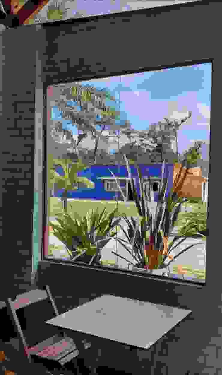 Administração ao fundo Lucia Helena Bellini arquitetura e interiores Hotéis tropicais Tijolo Multi colorido