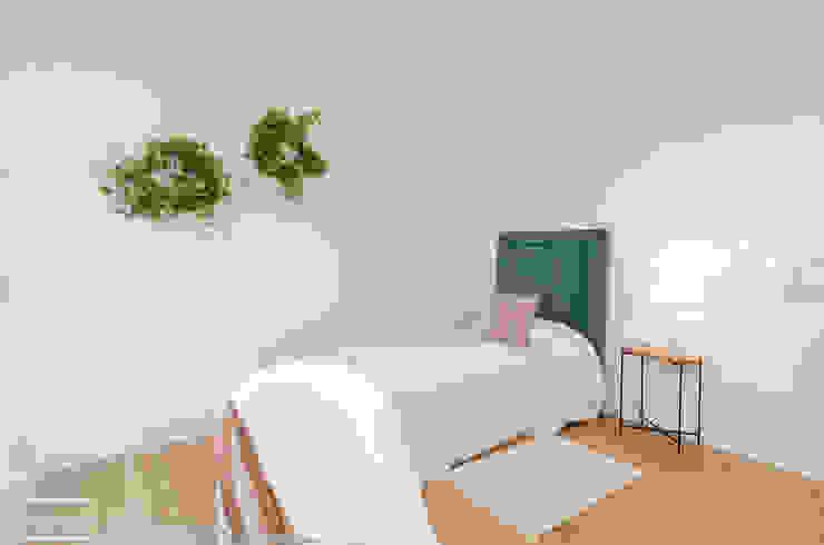 Theunissen Staging y Decoración SL BedroomBeds & headboards Tekstil Blue