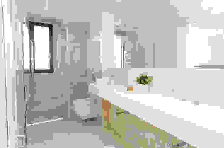 Theunissen Staging y Decoración SL BathroomSinks Keramik Beige