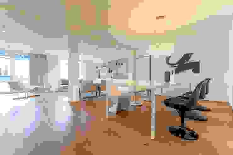 Münchner home staging Agentur GESCHKA Comedores minimalistas Negro