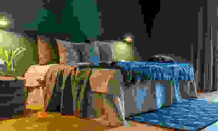 Münchner home staging Agentur GESCHKA Dormitorios modernos Gris
