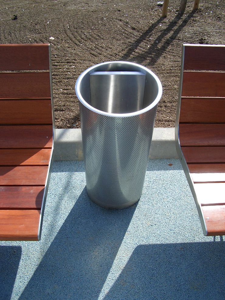 Renato Fernandes - arquitetura Garden Furniture Besi/Baja Metallic/Silver