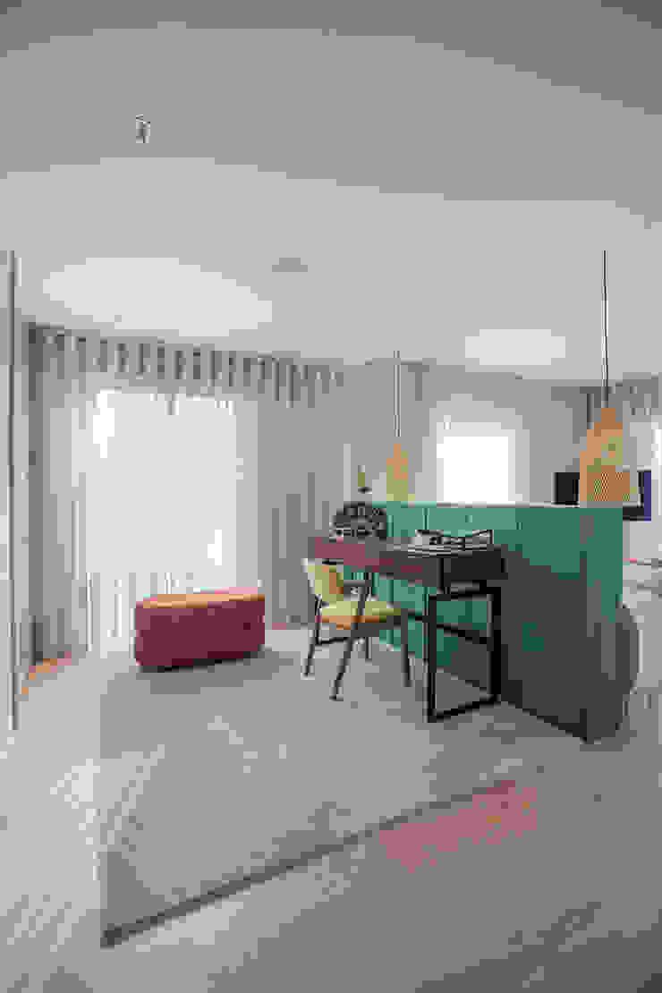 ShiStudio Interior Design Closets de estilo moderno