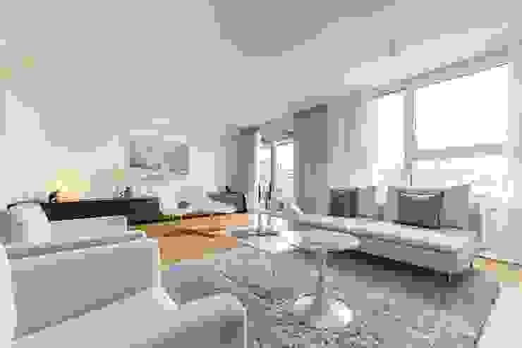 Münchner home staging Agentur GESCHKA Salones minimalistas Blanco