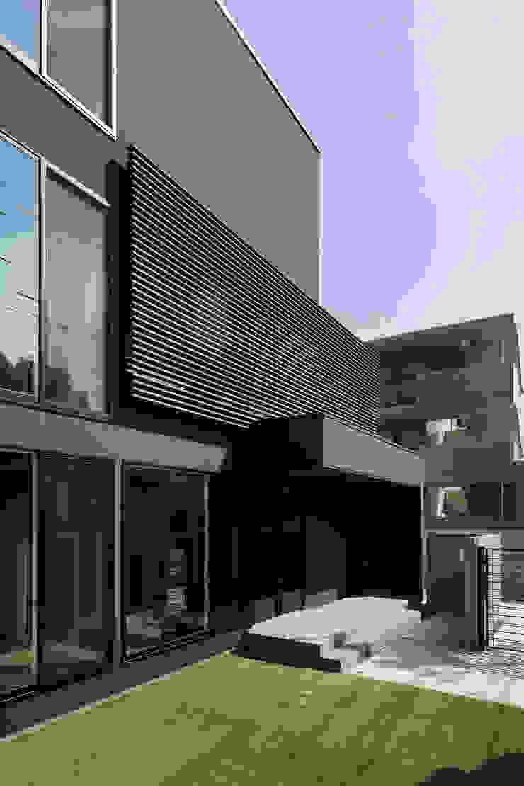 *studio LOOP 建築設計事務所 Single family home Black