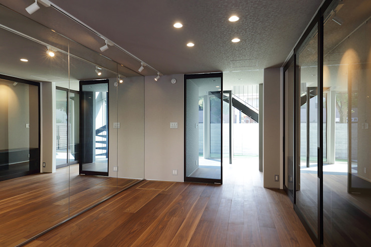 *studio LOOP 建築設計事務所 Modern gym Wood White