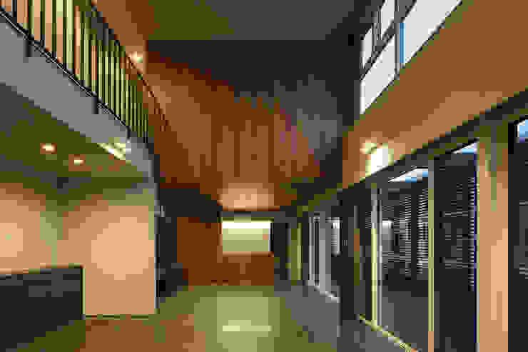 *studio LOOP 建築設計事務所 Living room Wood Wood effect