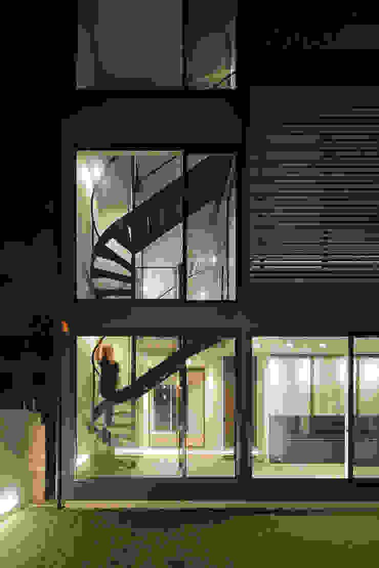 *studio LOOP 建築設計事務所 Villas Iron/Steel Black