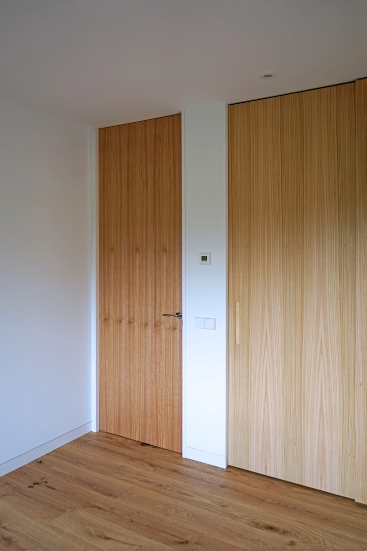 AD+ arquitectura Modern style bedroom Wood White