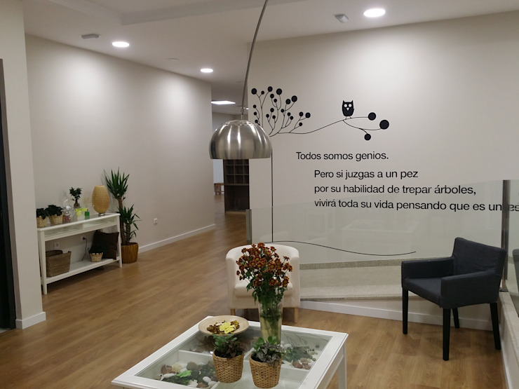 ARDEIN SOLUCIONES S.L. Modern clinics White