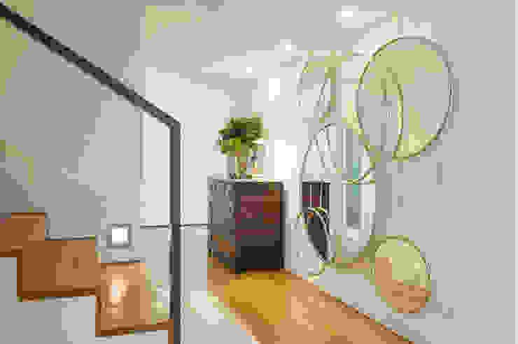 Hall de Entrada Atelier Renata Santos Machado Corredores, halls e escadas modernos