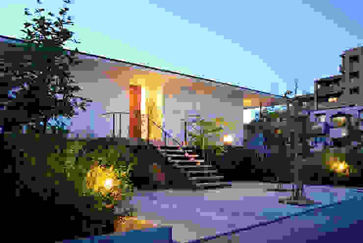 方円汎居 株式会社 結設計 ラスティックな 家 白色