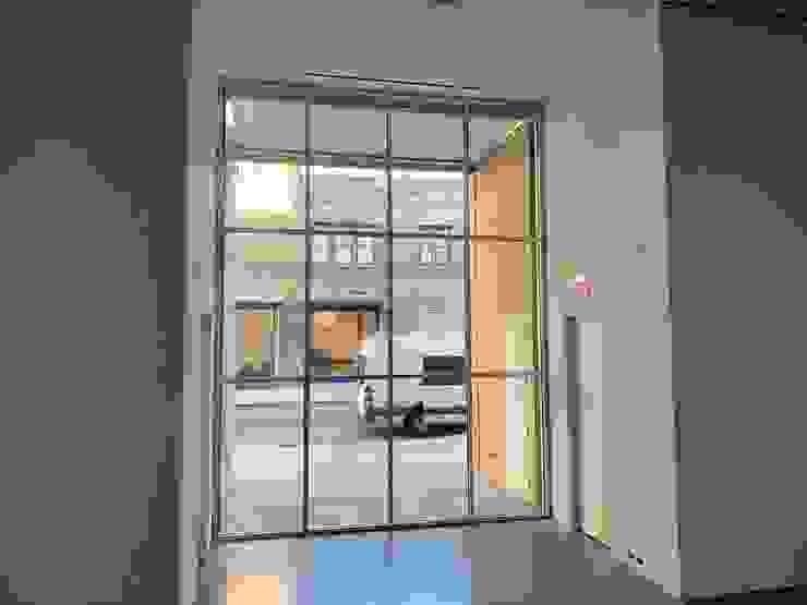 Sky Windows and Doors Pintu & Jendela Gaya Klasik