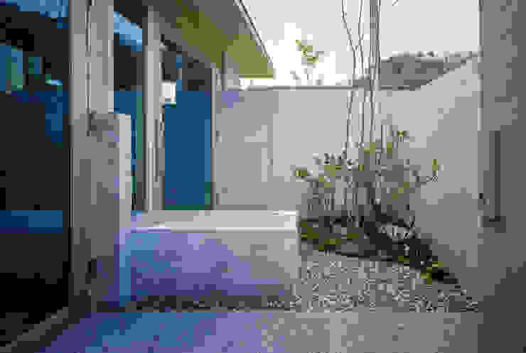藤原・室 建築設計事務所 Modern houses Concrete Grey
