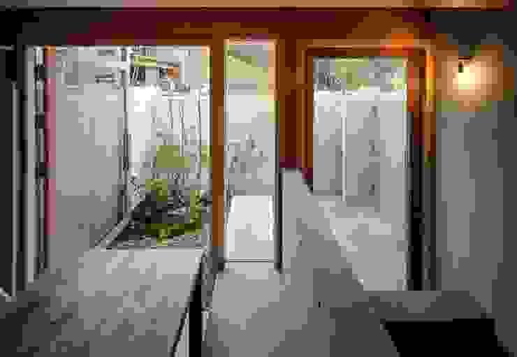 藤原・室 建築設計事務所 Modern garden Concrete Grey