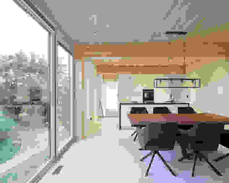 JEBENS SCHOOF ARCHITEKTEN BDA 现代客厅設計點子、靈感 & 圖片