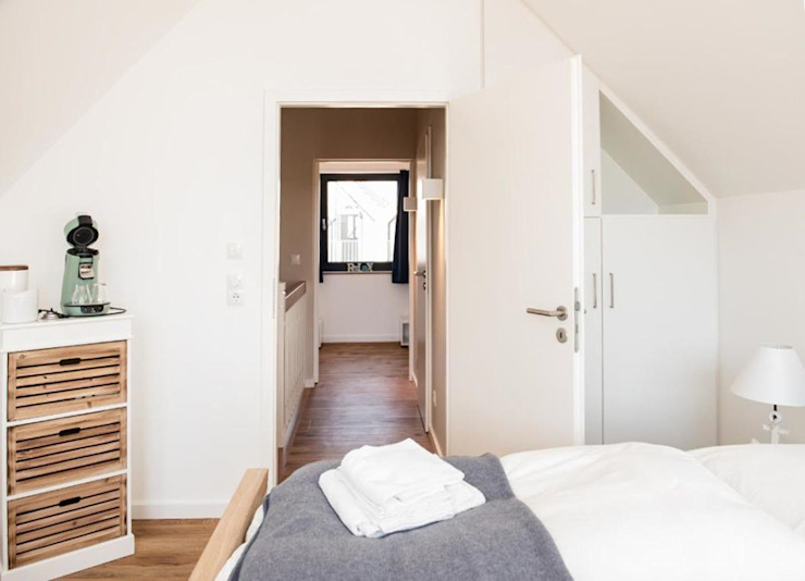 JEBENS SCHOOF ARCHITEKTEN BDA Modern style bedroom