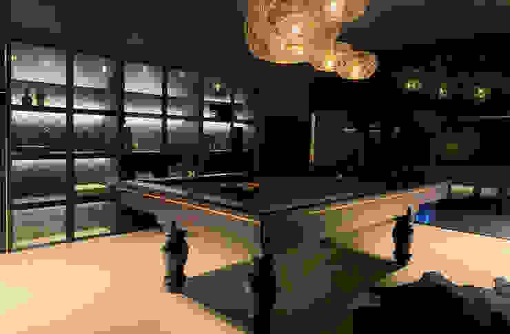 Belgium project Bilhares Carrinho, lda Living roomTV stands & cabinets Wood Brown