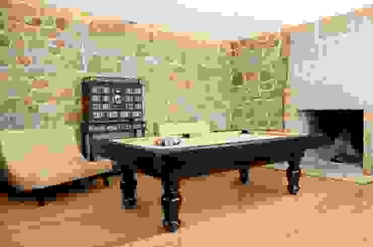 Paço dos Cunhas de Santar, one of the most prestigious wine tourism units in Portugal. Bilhares Carrinho, lda Living roomTV stands & cabinets Wood Black
