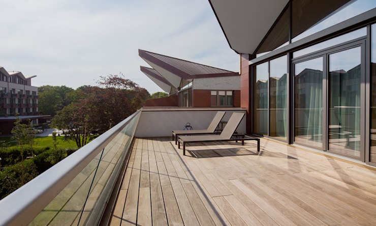 CASÁRBOL Modern Terrace