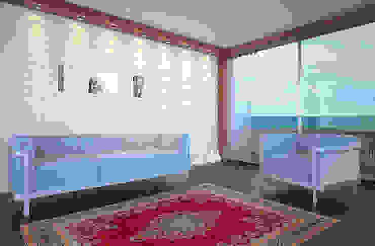 Persian House Ruang Keluarga Klasik Red
