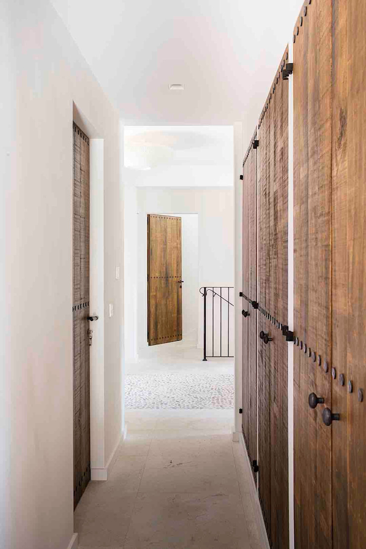 Bloomint design Pasillos, vestíbulos y escaleras de estilo mediterráneo