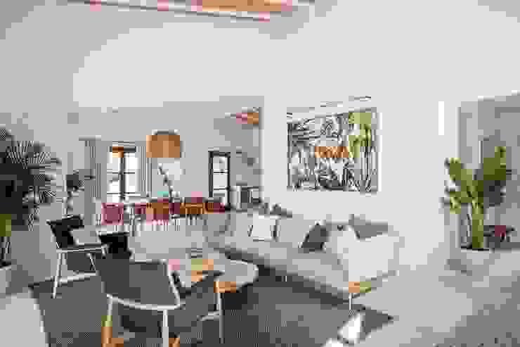 Bloomint design Salas de estilo mediterraneo