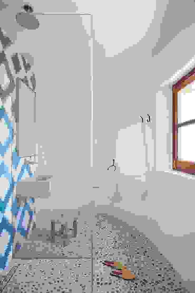 Bloomint design Baños de estilo mediterráneo