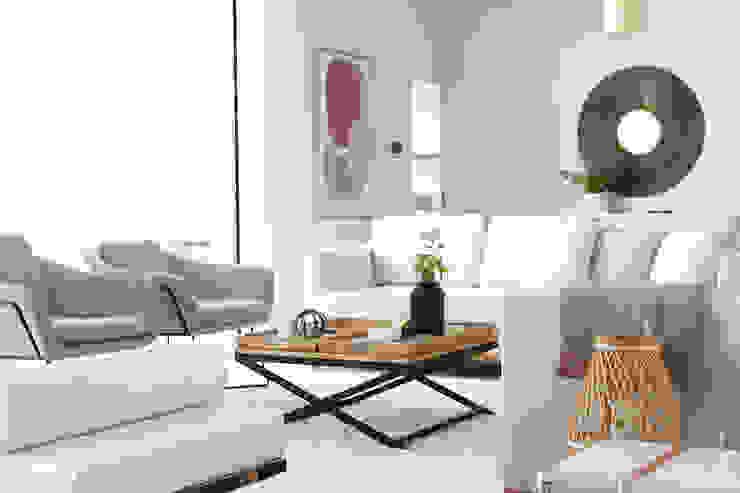 Casa das Salinas 1 | Sala de estar Catarina Batista Studio Salas de estar modernas