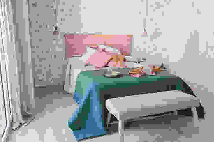 Habitación principal Interiorismo Laura Mas Dormitorios de estilo mediterráneo Verde