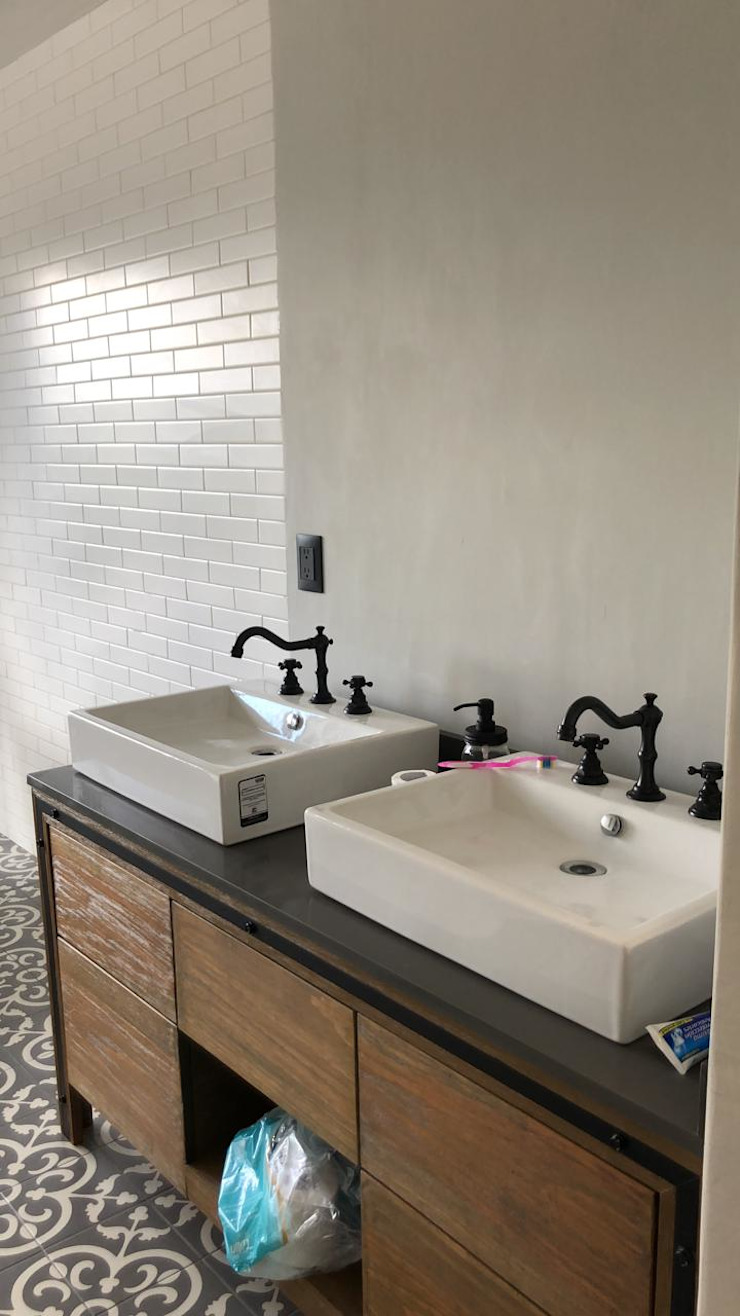 Arquitecto Rafael Balbi 浴室 磁磚 White