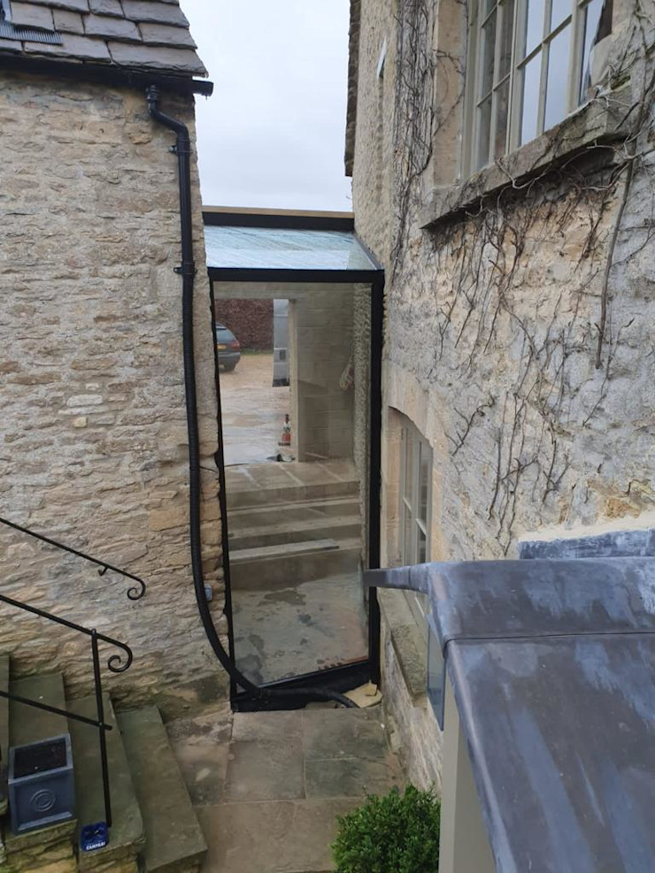 Fullbrook Manor Glass Structures Limited Hành lang, sảnh & cầu thang phong cách hiện đại