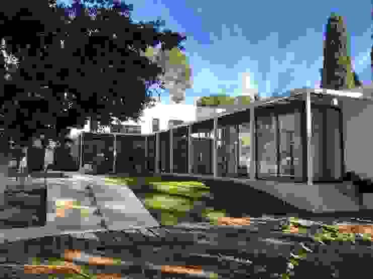 Gomez-Ferrer arquitectos บ้านและที่อยู่อาศัย Grey
