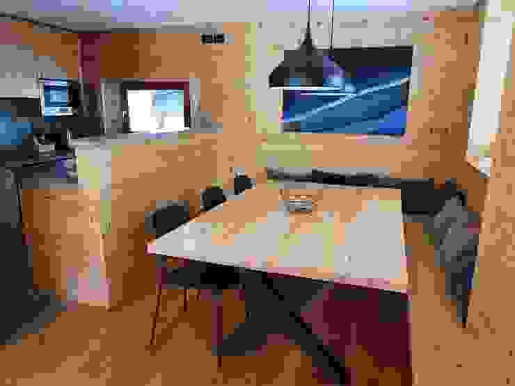 Tavolo in Larice Wood 4u Sala da pranzoTavoli Legno massello Effetto legno