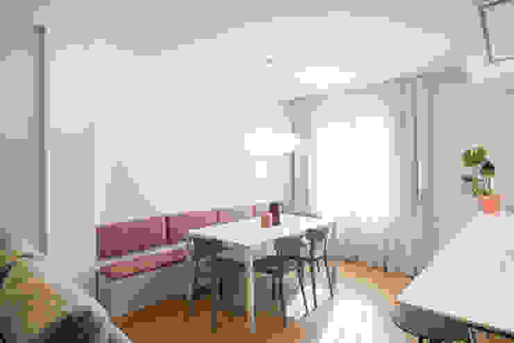 Comedor con bancada y mes extensible ALBERT SALVIA dissenyador d'interiors Comedores de estilo moderno