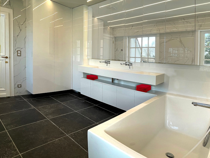Marcotte Style Classic style bathrooms