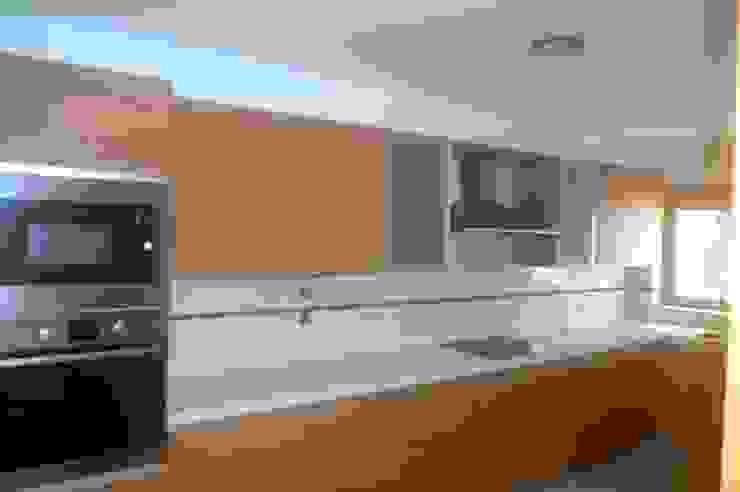 Marvic Projectos e Contrução Civil Modern Kitchen