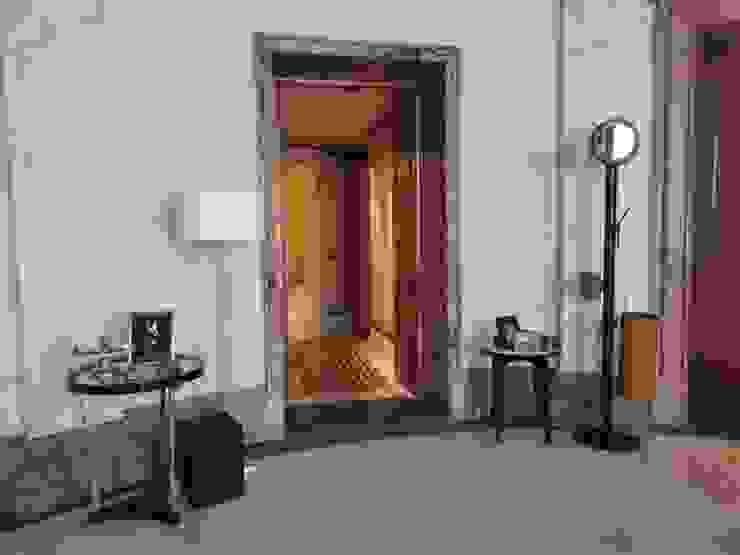 Limac Design Koridor & Tangga Modern Kaca Grey