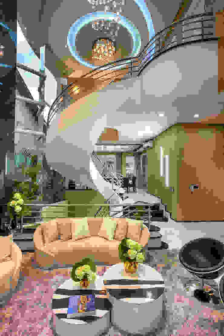 Designer de Interiores e Paisagista Iara Kílaris Ruang Keluarga Modern