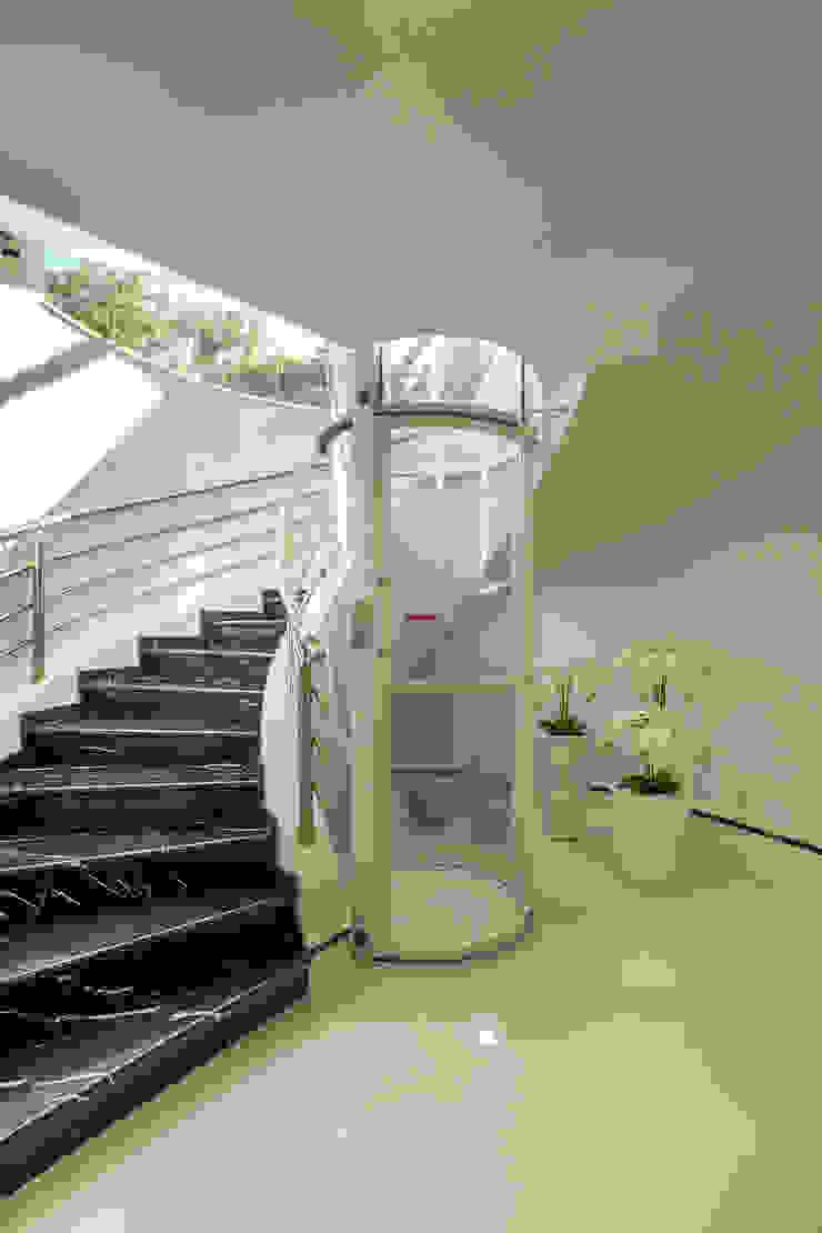 Designer de Interiores e Paisagista Iara Kílaris Tangga