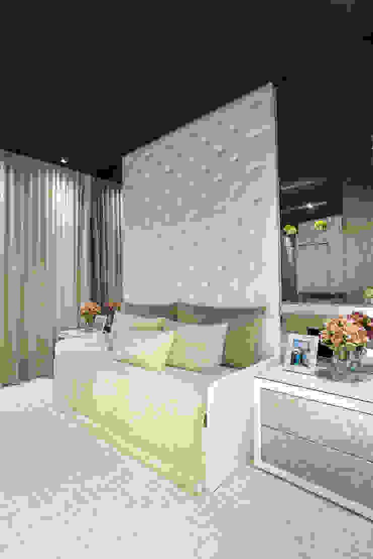 Designer de Interiores e Paisagista Iara Kílaris Ruang Studi/Kantor Klasik