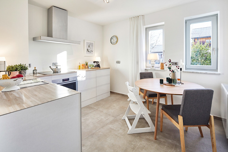 Home Staging Bavaria KitchenTables & chairs Wood Brown