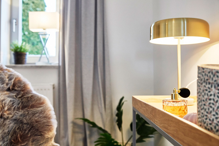 Home Staging Bavaria BedroomDressing tables Wood Beige