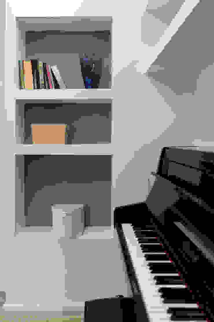 zero6studio - Studio Associato di Architettura Modern corridor, hallway & stairs