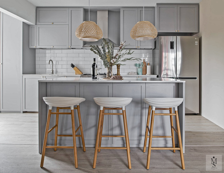 Ang Mo Kio Court Mr Shopper Studio Pte Ltd Built-in kitchens Grey